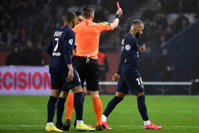 Choáng với số lần Neymar bị đuổi khỏi sân, báo hại PSG - 2
