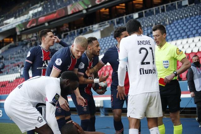 Choáng với số lần Neymar bị đuổi khỏi sân, báo hại PSG - 4
