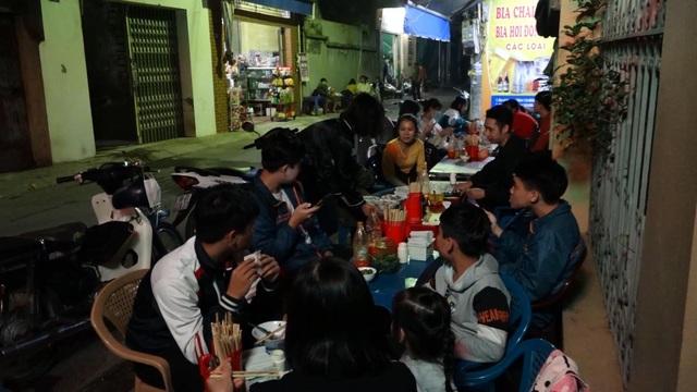 Quán phở 5000 đồng: 16 năm không tăng giá, ngày bán 500 bát ở Nam Định - 4