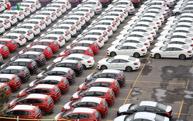 Xe nhập khẩu tháng 3 tăng đột biến, hứa hẹn có đợt giảm giá sâu - 1