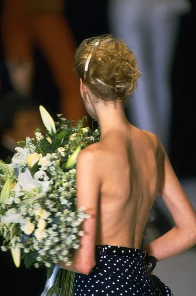 12 khoảnh khắc ngực trần gây chấn động sàn catwalk - 6