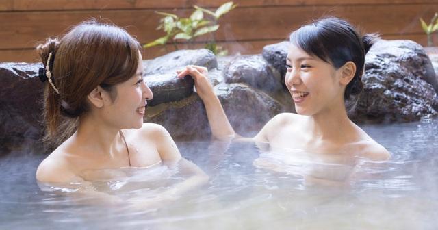 Chuyên gia onsen chỉ cách tắm khoáng nóng chuẩn Nhật tại nhà - 1
