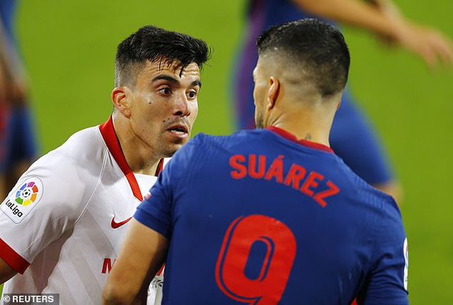 Luis Suarez gây thất vọng, Atletico thua cay đắng Sevilla - 6