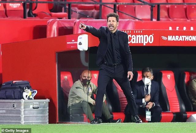Luis Suarez gây thất vọng, Atletico thua cay đắng Sevilla - 9