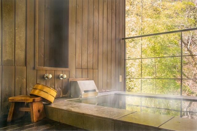 Chuyên gia onsen chỉ cách tắm khoáng nóng chuẩn Nhật tại nhà - 3