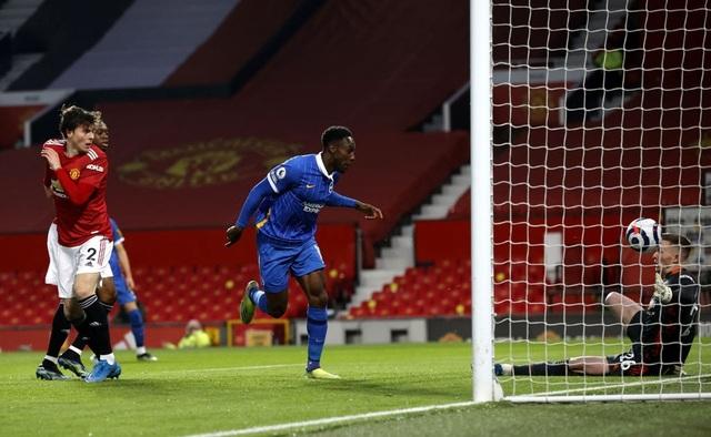 Man Utd 2-1 Brighton: Chân gỗ Welbeck khiến Quỷ đỏ khổ sở - 2
