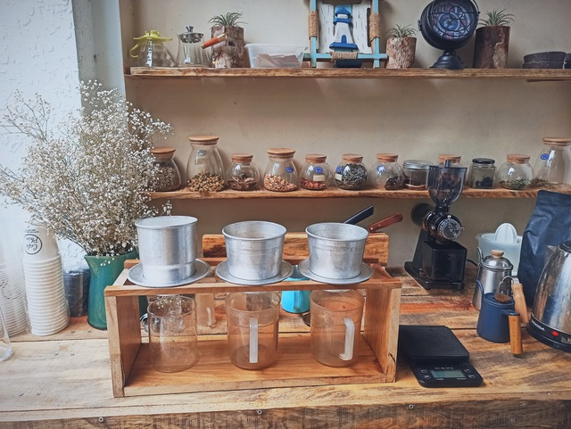 Quán cà phê chữa lành tâm hồn ở Đà Nẵng, khách trả tiền theo sự hài lòng - 7