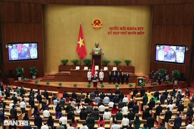 Tân Chủ tịch nước Nguyễn Xuân Phúc tuyên thệ nhậm chức - 4