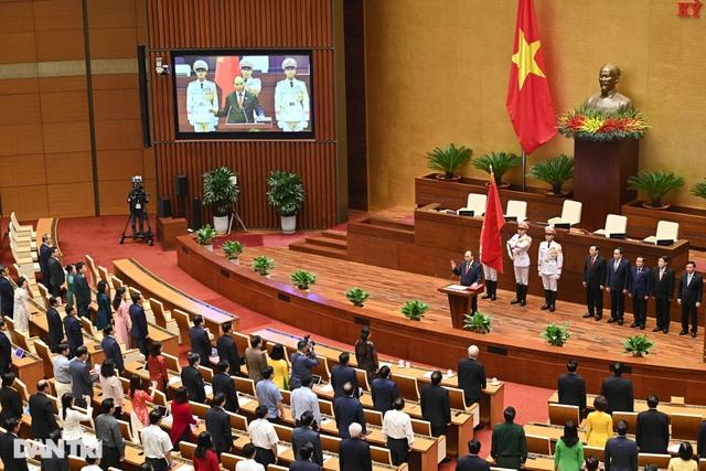 Tân Chủ tịch nước Nguyễn Xuân Phúc tuyên thệ nhậm chức - 3