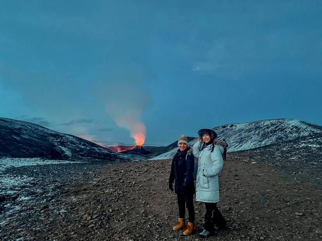 Cô gái Việt kể trải nghiệm ngắm núi lửa độc đáo 6000 năm mới có - 1