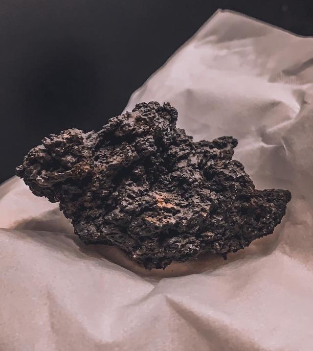 Cô gái Việt kể trải nghiệm ngắm núi lửa độc đáo 6000 năm mới có - 6