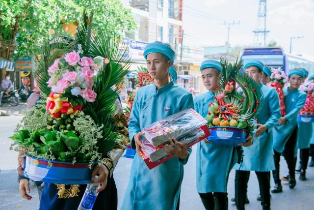 Mẹ chồng đi 4 tiệm vàng, tìm đặt bộ trang sức hình Doraemon... tặng con dâu - 3