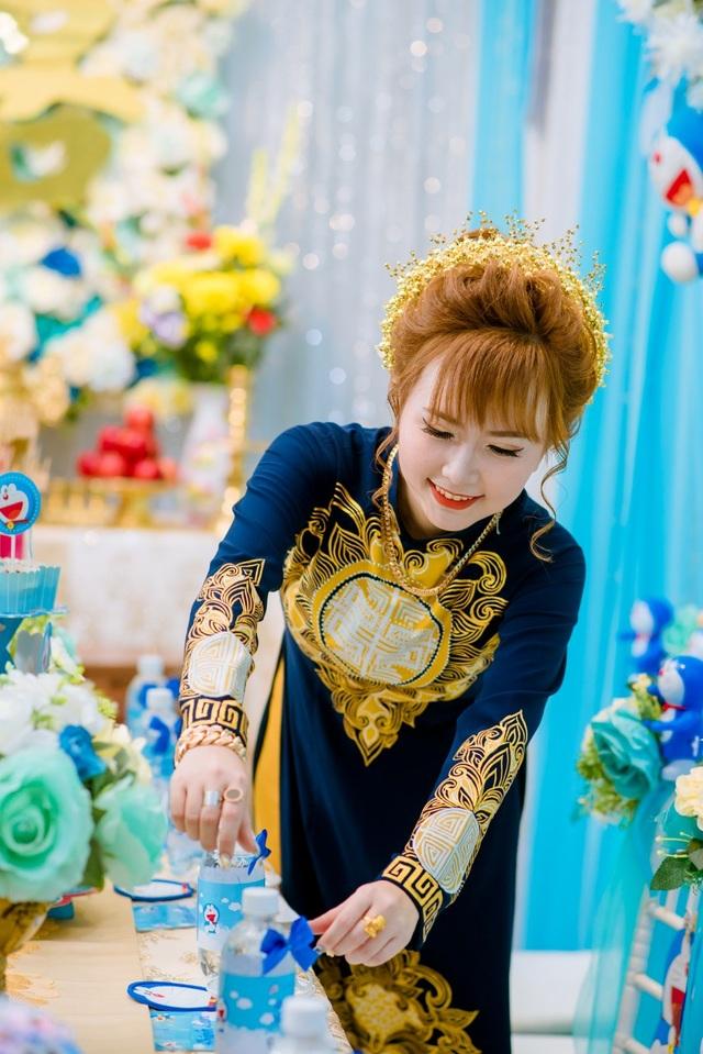 Mẹ chồng đi 4 tiệm vàng, tìm đặt bộ trang sức hình Doraemon... tặng con dâu - 2