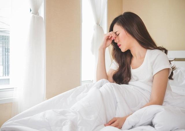 3 triệu chứng sau khi thức dậy cảnh báo gan gặp vấn đề - 2