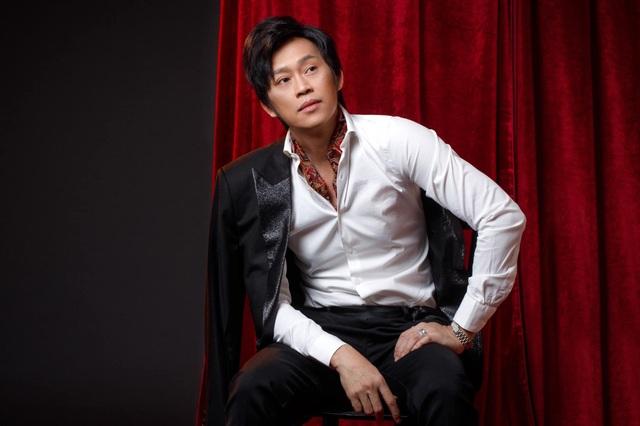 Danh hài Hoài Linh gây sốt khi liên tục tung ảnh trẻ đẹp như người mẫu - 3