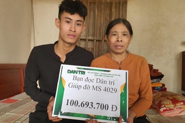 Bạn đọc Dân trí giúp đỡ chàng trai  hơn 100 triệu đồng chăm mẹ ung thư - 1