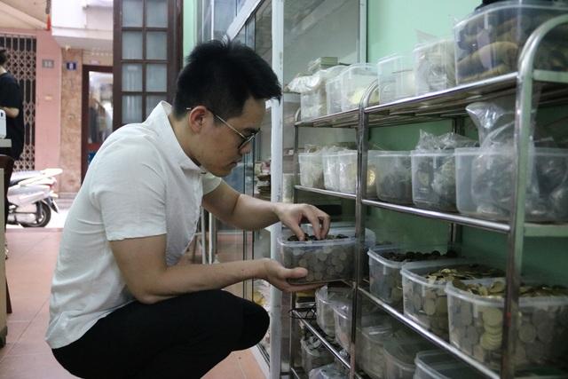 Kỷ lục gia 9x sở hữu bộ sưu tập tiền đồ sộ nhất Việt Nam - 4
