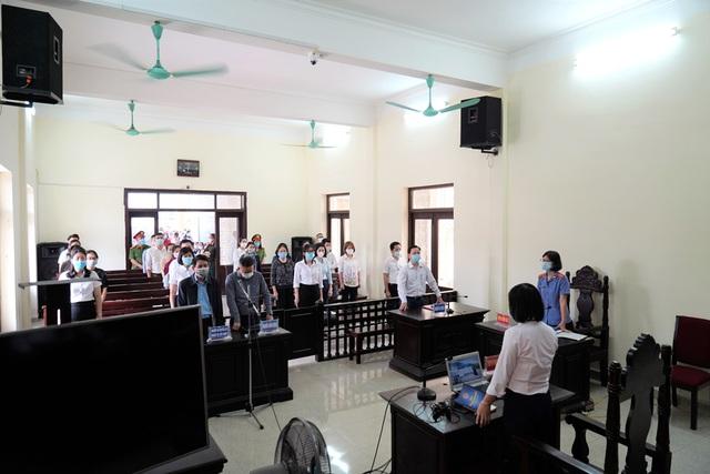 Vụ cúng oan gia trái chủ tại chùa Ba Vàng: Bác đơn khởi kiện của bà Yến - 1