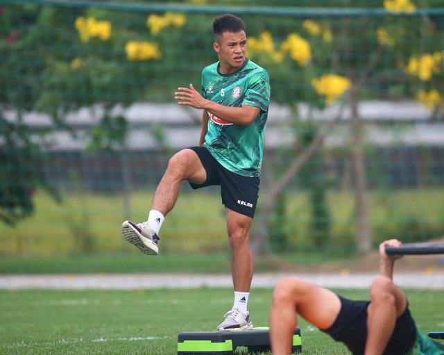 Lee Nguyễn trở lại, được kỳ vọng sẽ cứu chiếc ghế của HLV Polking - 3