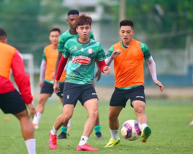 Lee Nguyễn trở lại, được kỳ vọng sẽ cứu chiếc ghế của HLV Polking - 4