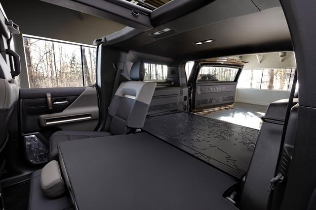 Hummer EV SUV mỗi lần sạc điện chạy được gần 500km - 19