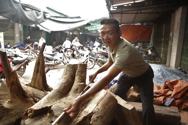 Ghé chợ củi khô xem người bán kiếm trăm triệu đồng mỗi năm - 4