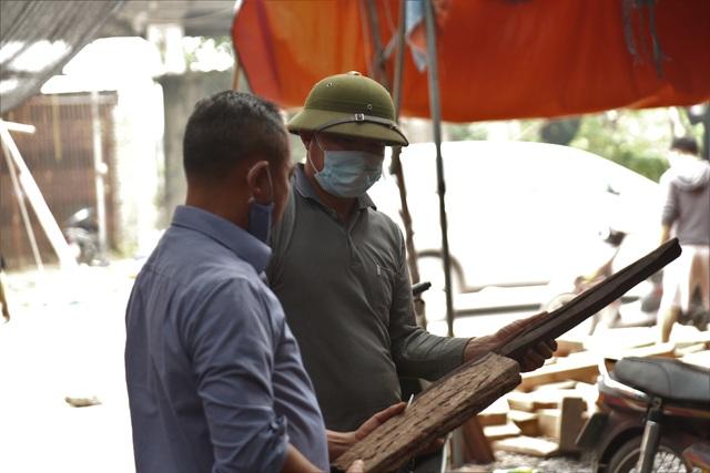 Ghé chợ củi khô xem người bán kiếm trăm triệu đồng mỗi năm - 6