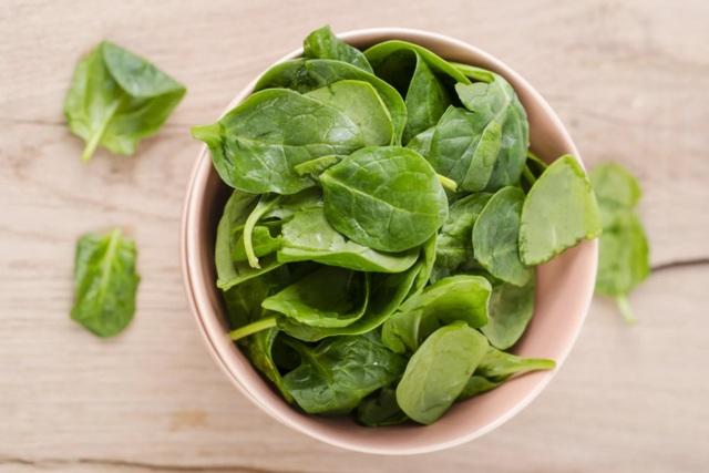 Lợi ích bất ngờ từ việc ăn 1 bát rau xanh mỗi ngày - 1