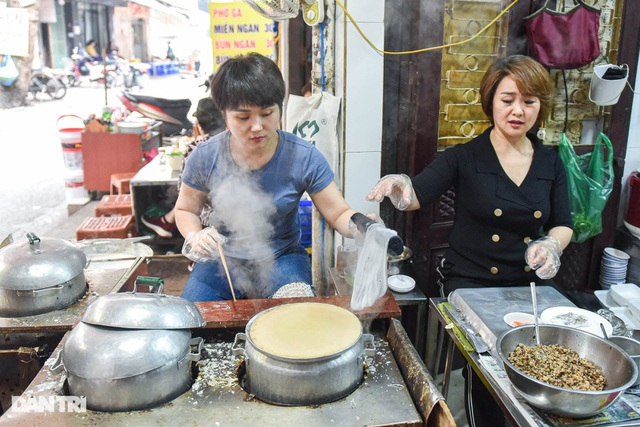 The shop has been selling for 40 years, selling 200 servings per day in Hanoi - 1
