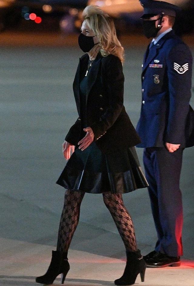 Trang phục gây tranh cãi của Đệ nhất Phu nhân Mỹ - 2