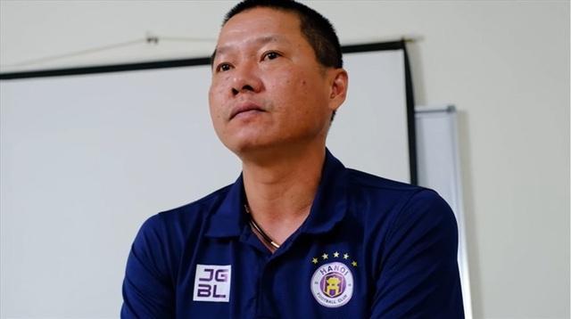 HLV Chu Đình Nghiêm ra đi, CLB Hà Nội gặp sóng dữ - 1