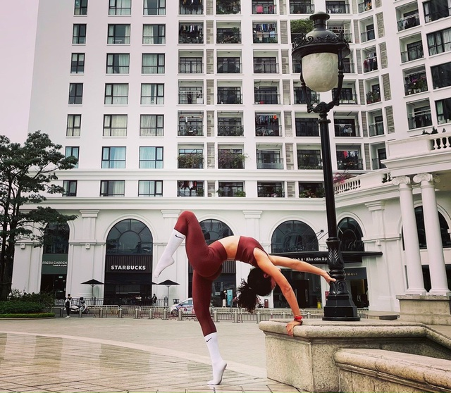 Hành trình nỗ lực của cô gái bị liệt nửa người thành HLV Yoga ở Hà Nội - 2