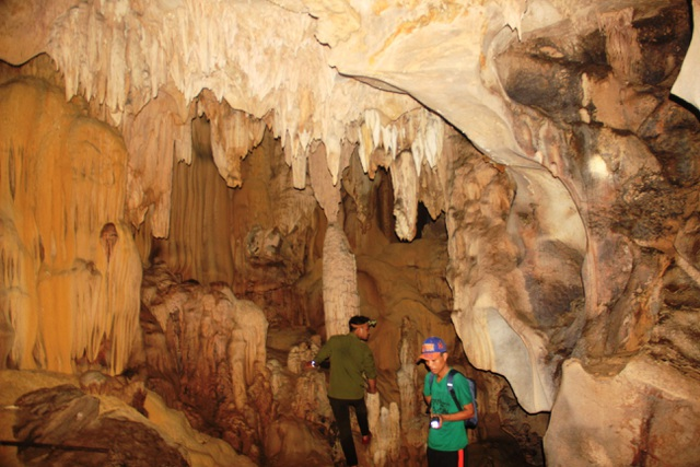Khám phá hang động tuyệt đẹp ẩn sâu hàng chục năm giữa rừng Quảng Trị - 4