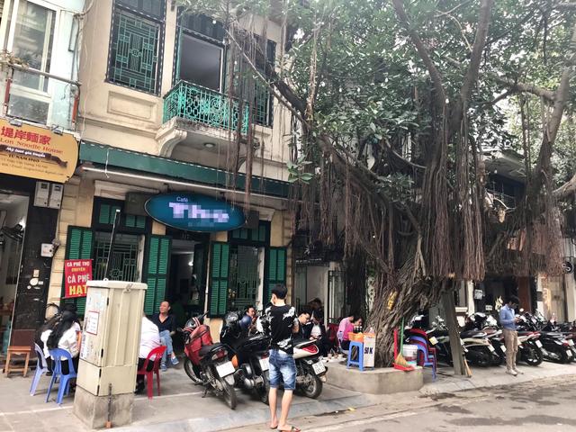 Những con phố quanh năm thơm mùi cà phê ở Hà Nội - 1