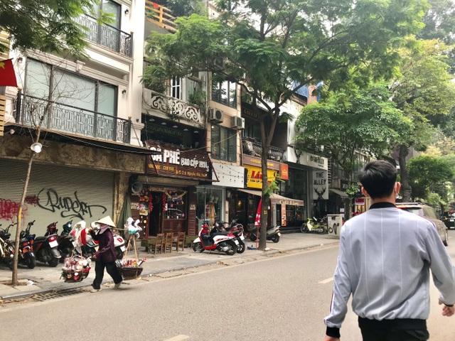 Những con phố quanh năm thơm mùi cà phê ở Hà Nội - 2