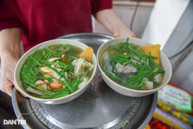 Selling Nam Bo vermicelli, frank noodle, the owner buys land, buys a house in Hanoi old town - 2