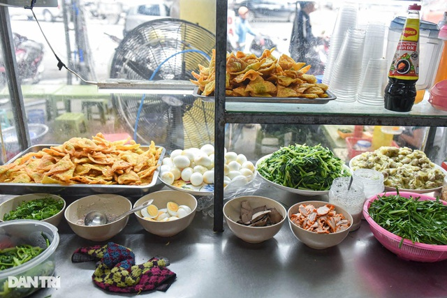 Selling Nam Bo vermicelli, frank noodle, the owner buys land, buys a house in Hanoi old town - 4