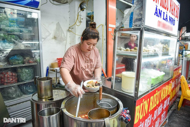 Selling Nam Bo vermicelli, frank noodle, the owner buys land, buys a house in Hanoi old town - 7