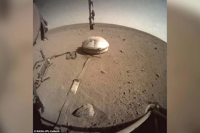 Phát hiện những trận động đất bí ẩn trên Sao Hỏa - 1