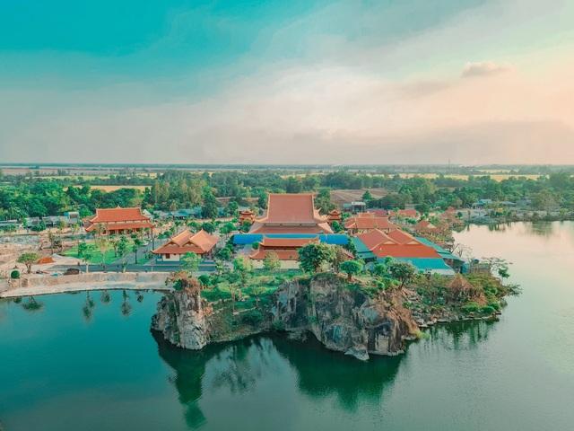 Vịnh Hạ Long thu nhỏ đẹp như tiên cảnh ở An Giang - 3