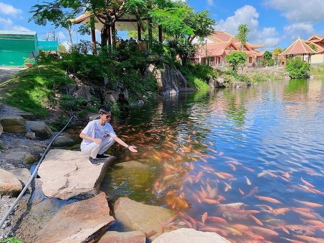Vịnh Hạ Long thu nhỏ đẹp như tiên cảnh ở An Giang - 11
