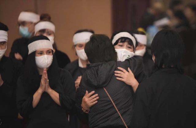Minh Hằng đau đớn: Chồng mất chưa đầy 49 ngày, lại chịu nỗi đau mất cha - 2