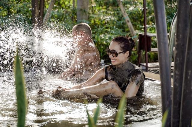 Cựu siêu mẫu Thúy Hạnh đăng ảnh chồng đen thui khiến dân mạng cười xỉu - 6