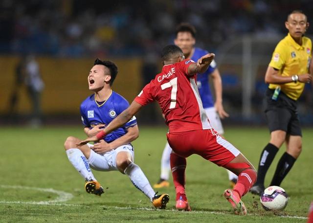 CLB Hà Nội 0-1 CLB Viettel: Trọng Hoàng ghi bàn, Quang Hải kém duyên - 10