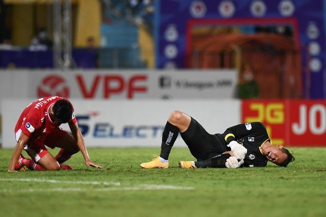 CLB Hà Nội 0-1 CLB Viettel: Trọng Hoàng ghi bàn, Quang Hải kém duyên - 20