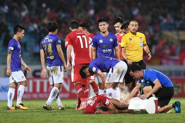 CLB Hà Nội 0-1 CLB Viettel: Trọng Hoàng ghi bàn, Quang Hải kém duyên - 13