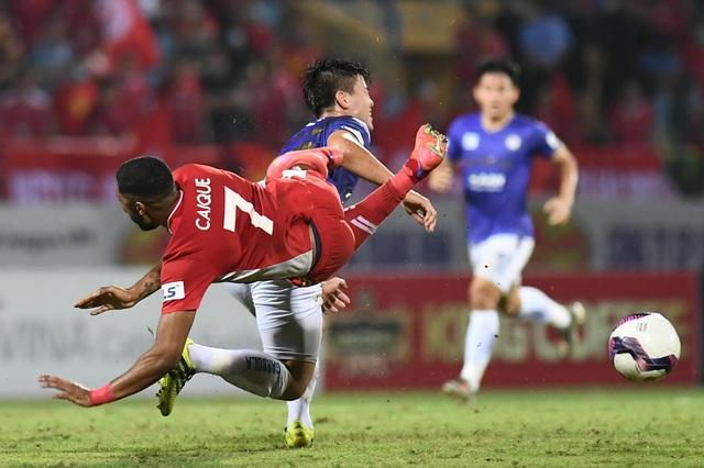 CLB Hà Nội 0-1 CLB Viettel: Trọng Hoàng ghi bàn, Quang Hải kém duyên - 11