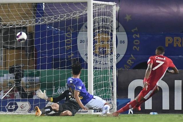 CLB Hà Nội 0-1 CLB Viettel: Trọng Hoàng ghi bàn, Quang Hải kém duyên - 6