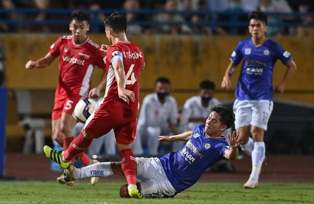 CLB Hà Nội 0-1 CLB Viettel: Trọng Hoàng ghi bàn, Quang Hải kém duyên - 8