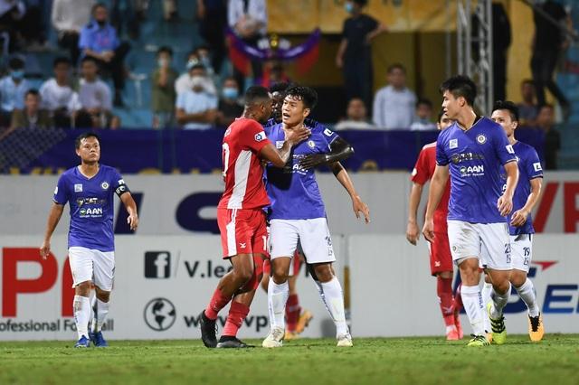CLB Hà Nội 0-1 CLB Viettel: Trọng Hoàng ghi bàn, Quang Hải kém duyên - 18